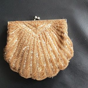 Small sequence material purse